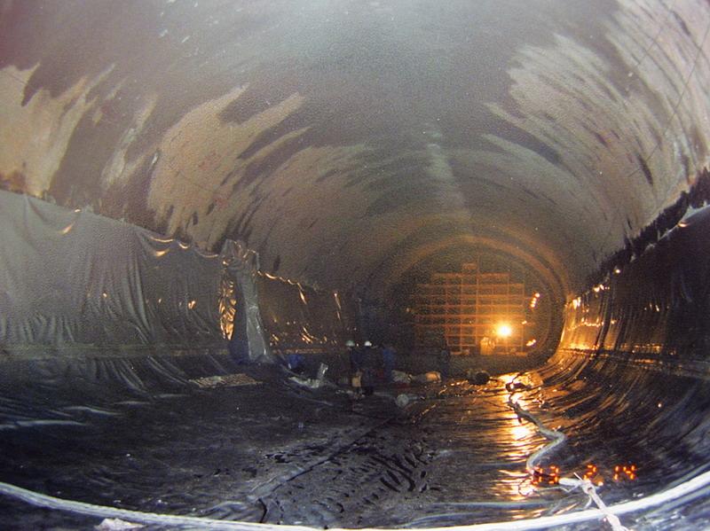 江苏寒山隧道建设